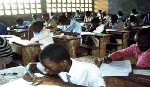 """BEPC 2012 002 - Odenya Parfait, premier du Togo au BEPC: """"...toujours garder le cap!"""""""