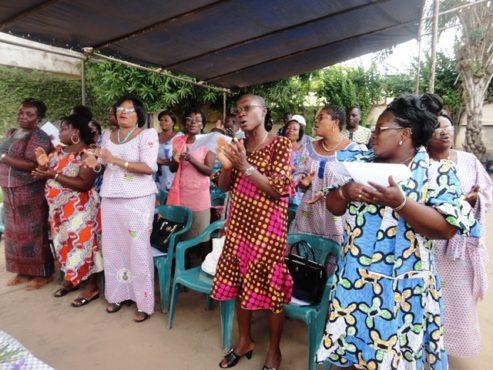 Femmes UNSIT 493x370 - Journée de la Femme Africaine : les femmes travailleuses de l'UNSIT commémorent l'événement