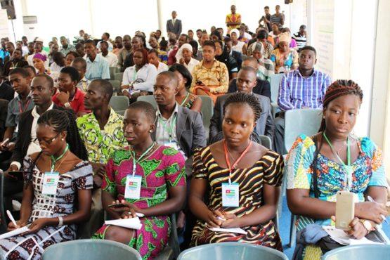 Conférence climat 555x370 - 2è conférence de jeunes sur le climat : la jeunesse africaine pour une résilience climatique à l'horizon 2030