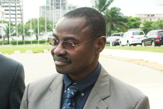 Moustafa Mijiyawa 555x370 - Tabac et cancer du col de l'utérus : la riposte du  gouvernement  togolais!