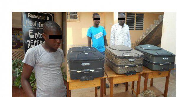 Trafiquants de peaux de python 600x331 - LUTTE CONTRE LA CRIMINALITE FAUNIQUE: Trois trafiquants de peaux de pythons royaux arrêtés  à Lomé