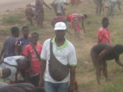 Ametsito Komlan bon 493x370 - Opération de nettoyage des grandes artères de Lomé/  Ametsito Komlan Gninin, superviseur : « Les gens  sont toujours motivés et passionnés pour cette opération »