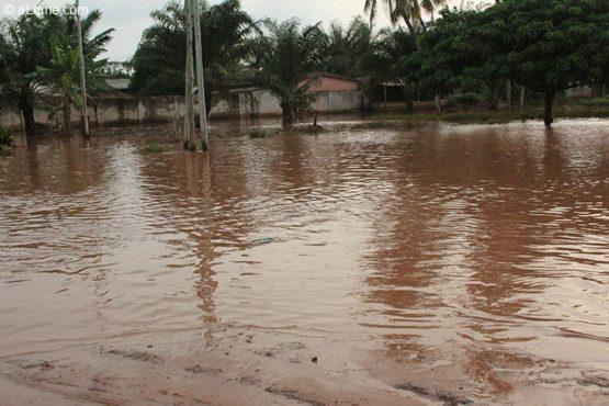 Inondations 555x370 - Inondations à Lomé et  à l'intérieur : l'ANPC  au front !