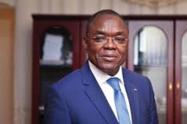 Payadowa Boukpessi 600x400 - Togo: bars et lieux de culte autorisés à rouvrir mais…
