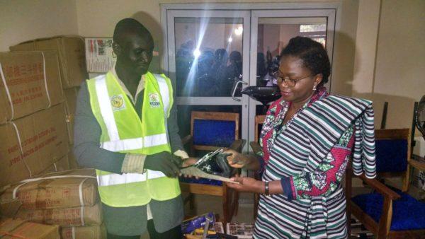Remise de kits JDS à Kara 600x338 - Volontariat : 110 volontaires d'engagement citoyen du nord-Togo  ont reçu des kits