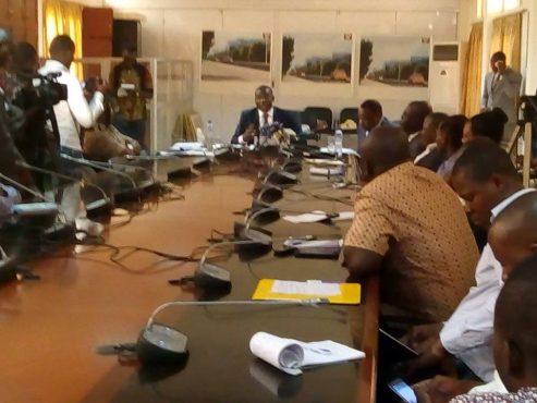 conf pesse marché unique aérien 493x370 - Marché unique du transport aérien en Afrique : le ministre Ninsao Gnofam en explique  les enjeux