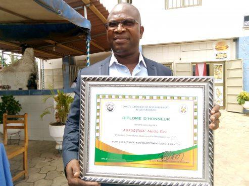 IMG 20180331 103531 493x370 - Pour ses actions de développement dans le canton d'Aflao-Sagabado : le CJD reçoit une distinction