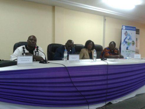IMG 20180419 WA0036 493x370 - L'Eau au centre d'une conférence –débat à l'Université de Lomé