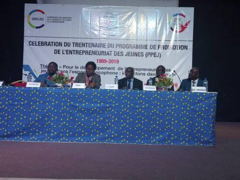 IMG 20191111 WA0094 493x370 - La CONFEJES célèbre le trentenaire du Programme de Promotion de l'Entrepreneuriat des Jeunes à Lomé
