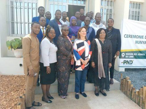"""IMG 20191123 WA0012 493x370 - Togo : Les jeunes entrepreneurs de """" Nunya Lab"""" et de GIP-Togo reçoivent la visite de Ségolène Royal"""
