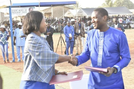 Signature partenariat Tchamba 556x370 - A Tchamba, le MIFA SA a signé des accords de financement agricole avec des sociétés internationales