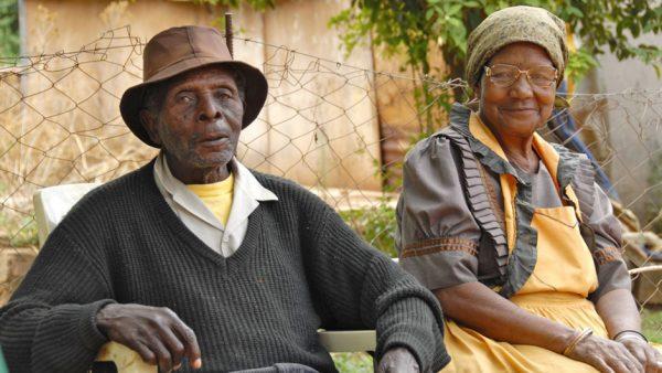 personnes agees 600x338 - Maisons de retraite: le Togo y pense