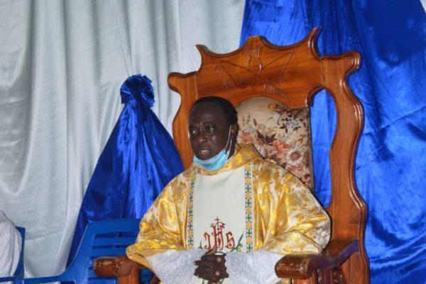 Cure de Kpedome Haho 600x400 - Togo/Religion: le Père Aimé Komlan AGBEMEBIA devient officiellement le curé de la paroisse Notre Dame de la Miséricorde de Kpédomé (Haho)