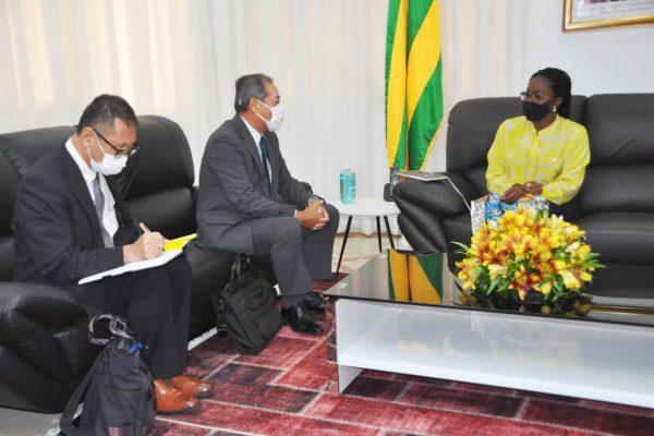 PM et Ambassadeur Japon Togo 600x400 - Togo/Diplomatie:les interventions du Japon passés au peigne fin à la primature