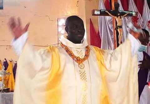 Pere Modeste Agouto bon bon - Religion au Togo/Notsé: messe de prémices du Révérend-Père Modeste Edoh AGOUTO, prêtre diocésain