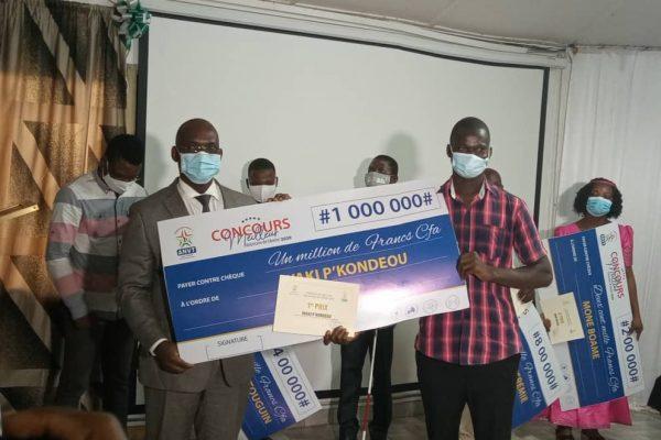 meilleur volontaire 2020 600x400 - Togo: l'ANVT prime les meilleurs volontaires de 2020