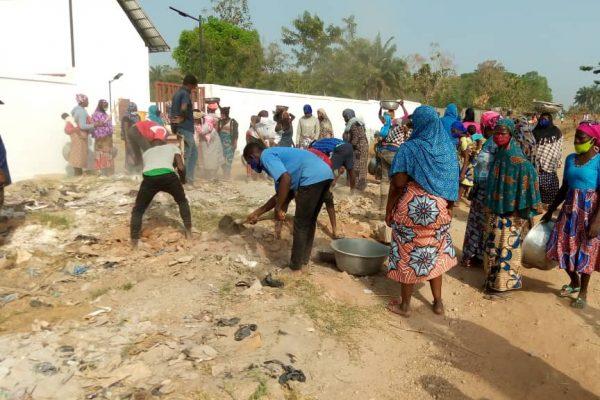 samedi propre 19 12 20 centrale 600x400 - Togo/''Samedi propre''du 19 décembre: 1802 hommes et femmes à l'assaut de l'insalubrité dans la région Centrale
