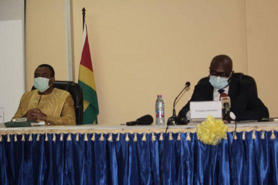 Conf presse comite scientifique 555x370 - Togo/ Covid-19 : le Conseil scientifique rassure sur l'efficacité du vaccin
