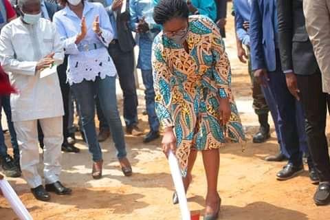 Rehabilitation route Sokode Bassar - Togo/ Route Sokodé-Bassar: le premier coup de pioche!
