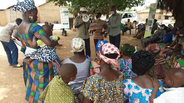 Causeries educatives transferts monetaires plateaux 600x337 - Togo/ Plateaux: les bénéficiaires des transferts monétaires sensibilisés sur divers sujets dans les préfectures du Moyen Mono et de l'Amou