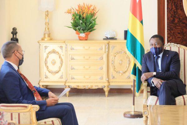 ballet diplomatique 600x400 - Togo/ Diplomatie: huit ambassadeurs présentent leurs lettres de créance à Faure Gnassingbé