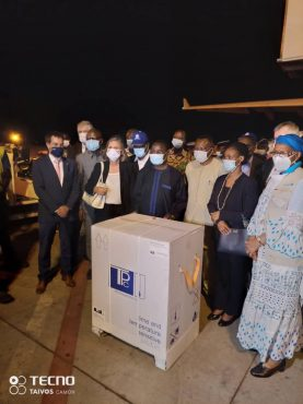 reception vaccin 2 277x370 - Covid-19/ Premier lot de vaccins livré au Togo: début probable de la vaccination mercredi