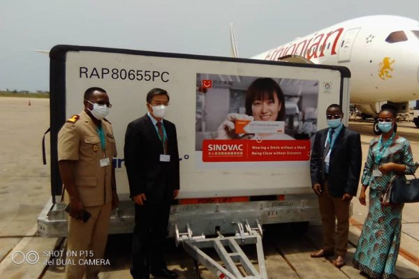 Sinovac 600x400 - Le Togo réceptionne 200.000 doses de vaccin SINOVAC ce vendredi