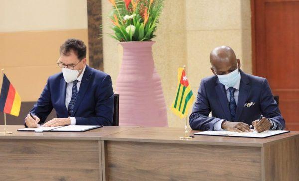 Signature Dr. Gerd gouvernement 600x363 - Dr. Gerd Müller à Lomé: un séjour laborieux