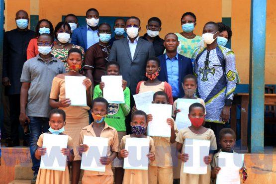 Actes de naissance pour les enafnts de Vo 555x370 - Togo/ Jugements supplétifs pour 5000 élèves dans le Vo: nouveau geste salutaire des cadres Unir-Vo
