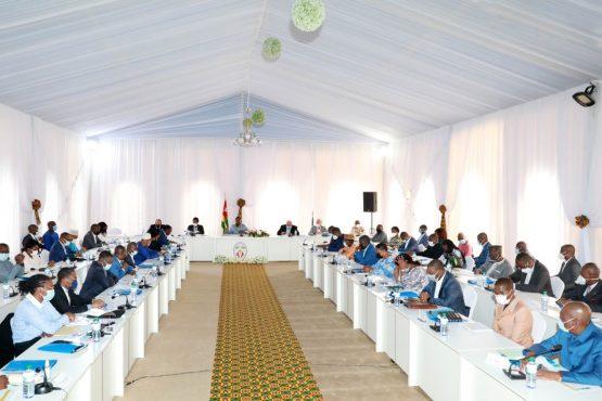Seminaire gouvernemental Kara 25 26 juillet 2021 555x370 - Togo: le gouvernement passe en revue sa feuille de route 2020-2025