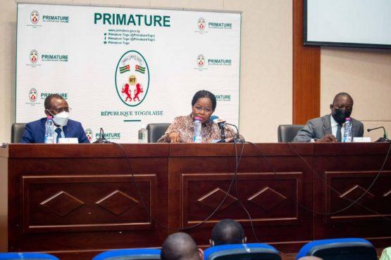 Atelier hauts cadres administration 555x370 - Togo: les hauts cadres de l'administration planchent sur la feuille de route gouvernementale
