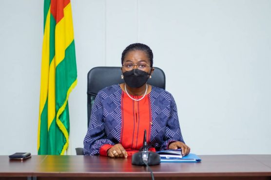 Rencontre Covid 556x370 - Togo : freiner à tout prix la flambée des cas de Covid-19!