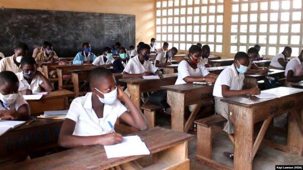 Eleves 600x337 - Togo: des investissements massifs dans l'éducation